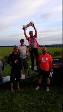Stefan (2. von links) bei der Siegerehrung